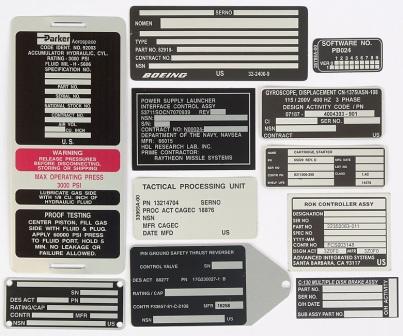 Placas de identificación adhesivas y etiquetas